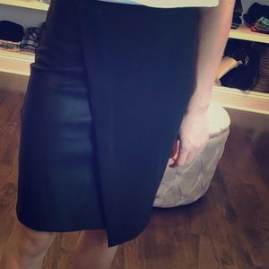 XXI black pencil skirt